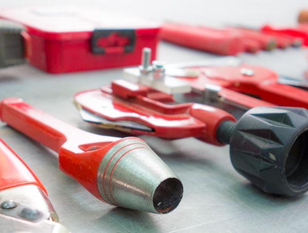 röda verktyg