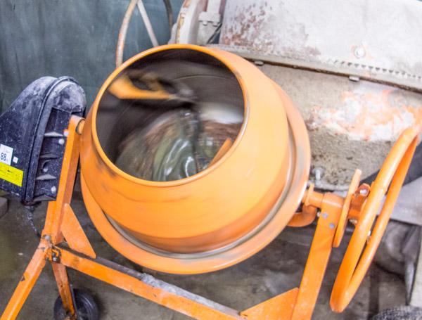 bordsur i betong etsning